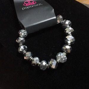 Jewelry - 💎3/$10 gunmetal clear multifaceted bead bracelet